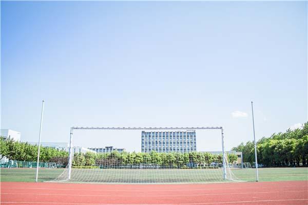 深圳枫叶学校环境