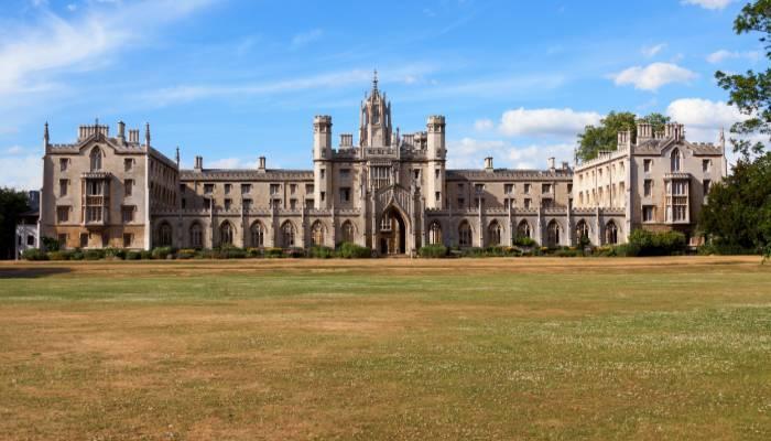 龙华区曼彻斯通城堡学校推荐